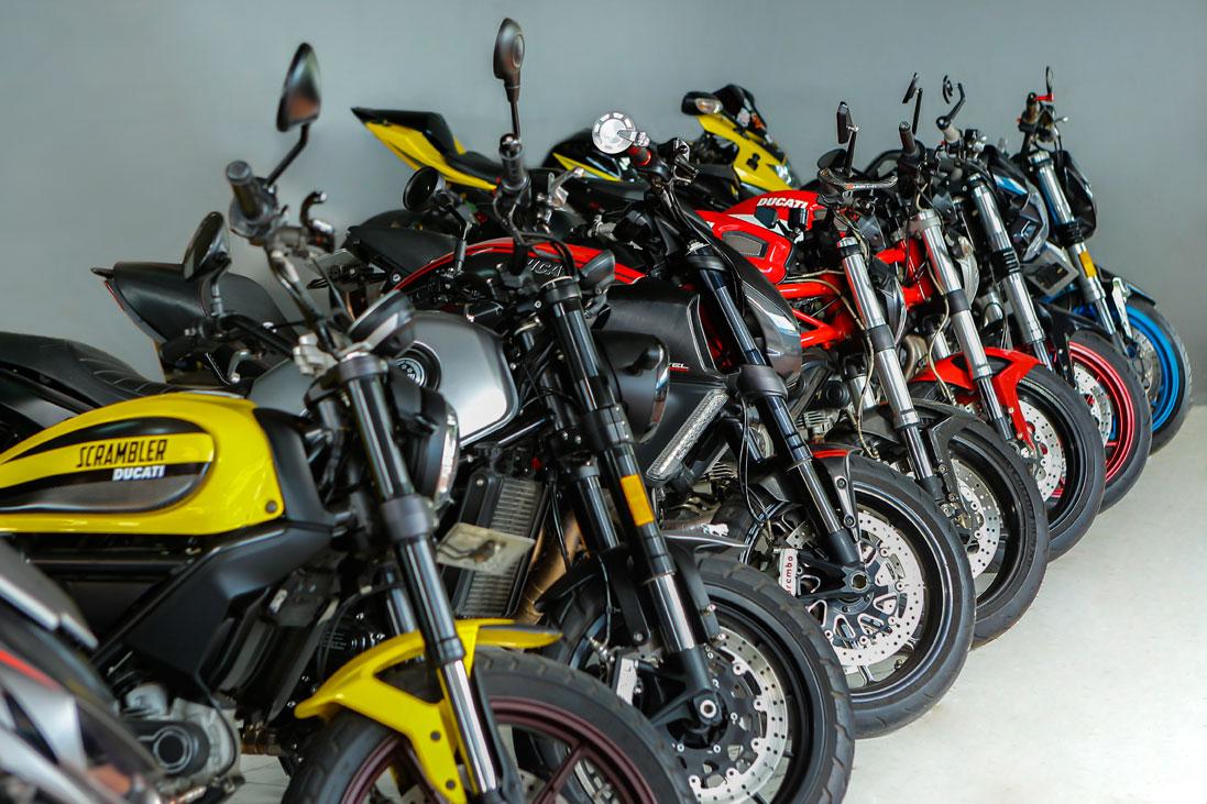 Pasar Mobil Kemayoran Showroom Motor